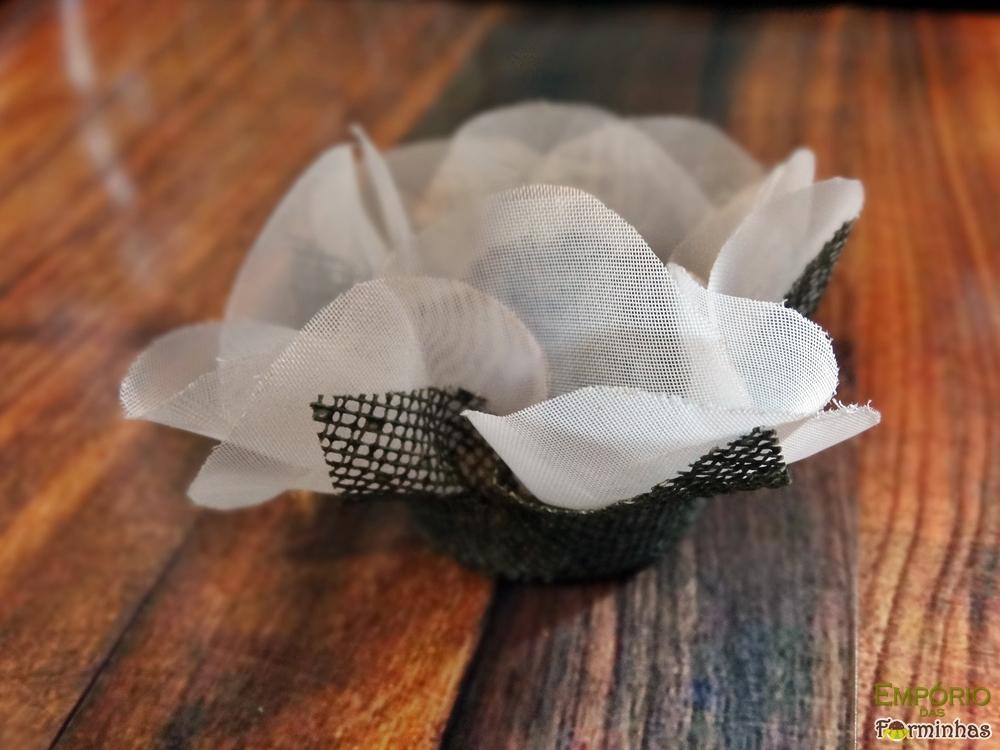 Forminhas flor de tela e voil