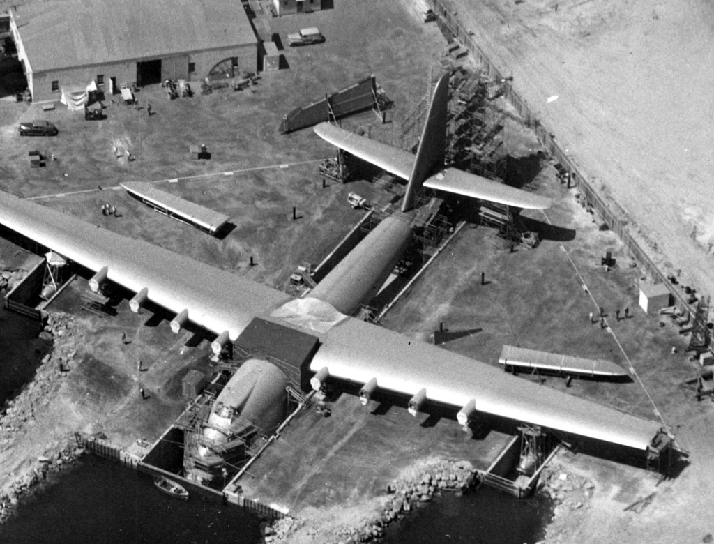 hercules aircraft history hughes: