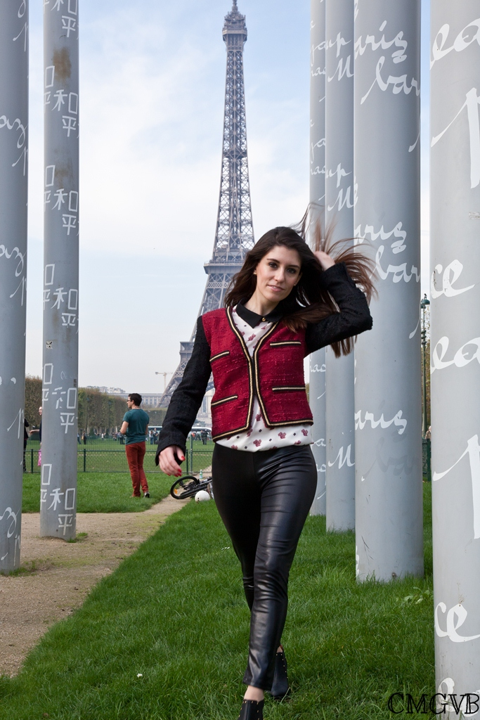 diana dazzling, fashion blogger, fashion blog,  cmgvb, como me gusta vivir bien, dazzling, tweed jacket, mur de la paix, peter pan collar, col claudine, squirrel, Paris, outfit