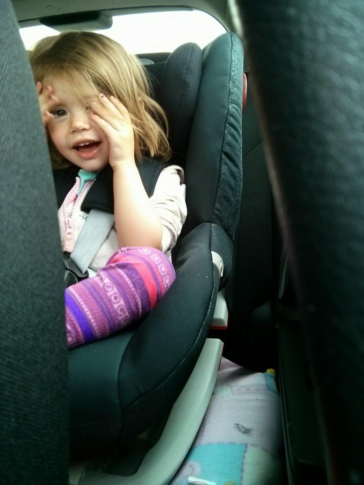 Peekaboo in car seat