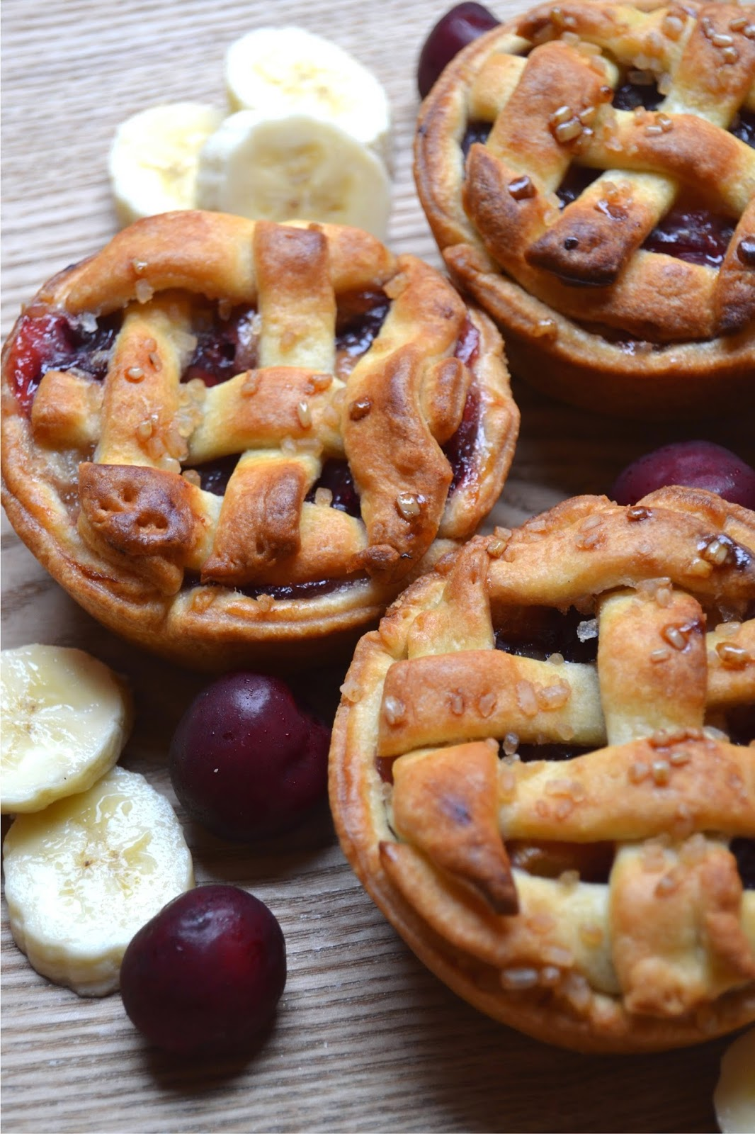 shortcrust pies filled with cherries and banana