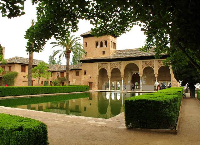 Milerenda granada la alhambra el partal y palacio de carlos v - Residencia los jardines granada ...