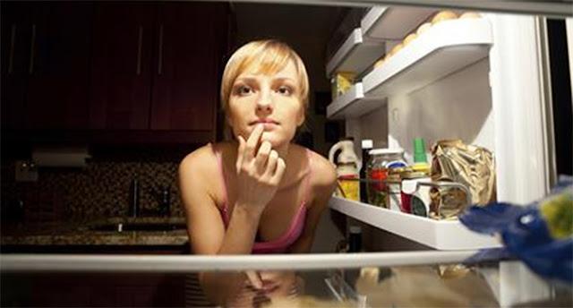 อาหารอะไรที่คุณไม่ควรทานก่อนเข้านอน?