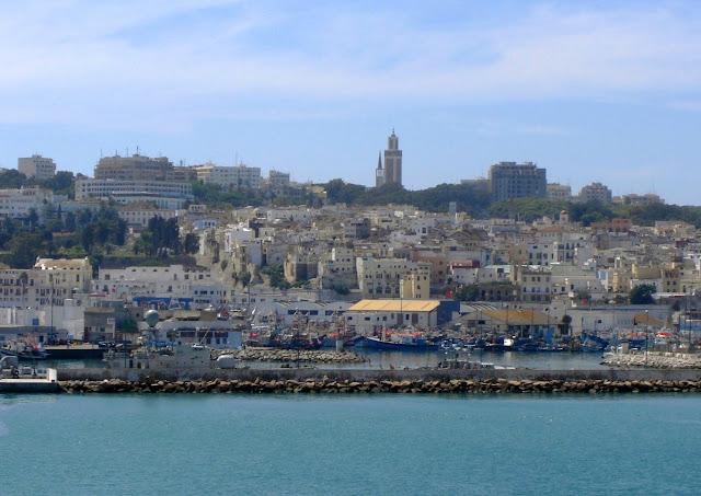 Tanger (Tanjah) - pierwszy widok z ferry | Maroko