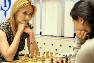 Echecs à Ankara - ronde 2: Viktorija Cmilyte (2520) 0-1 Betul Cemre Yildiz (2341) - Photo © Fide