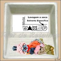 Na lavagem a seco não se usa água. Usa-se solvente químico que tira a sujeira e não é absorvido pelas fibras do tecido