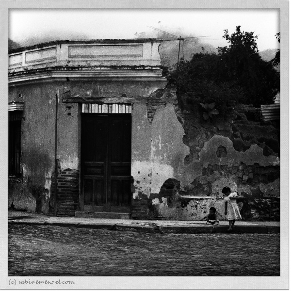 Psynopsis Guatemala Antigua Kids Playing