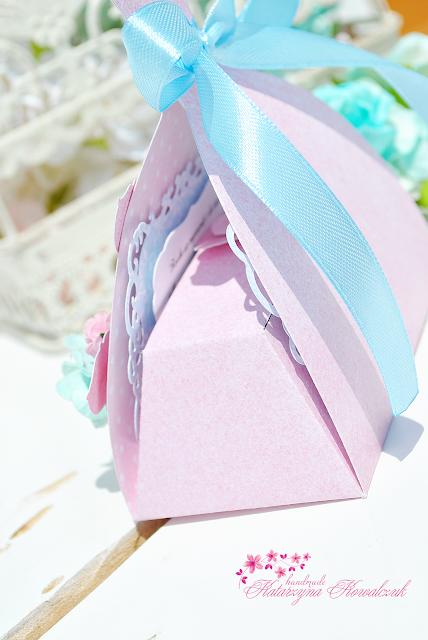 Pudełeczko ślubne na pieniążki w kształcie sukni
