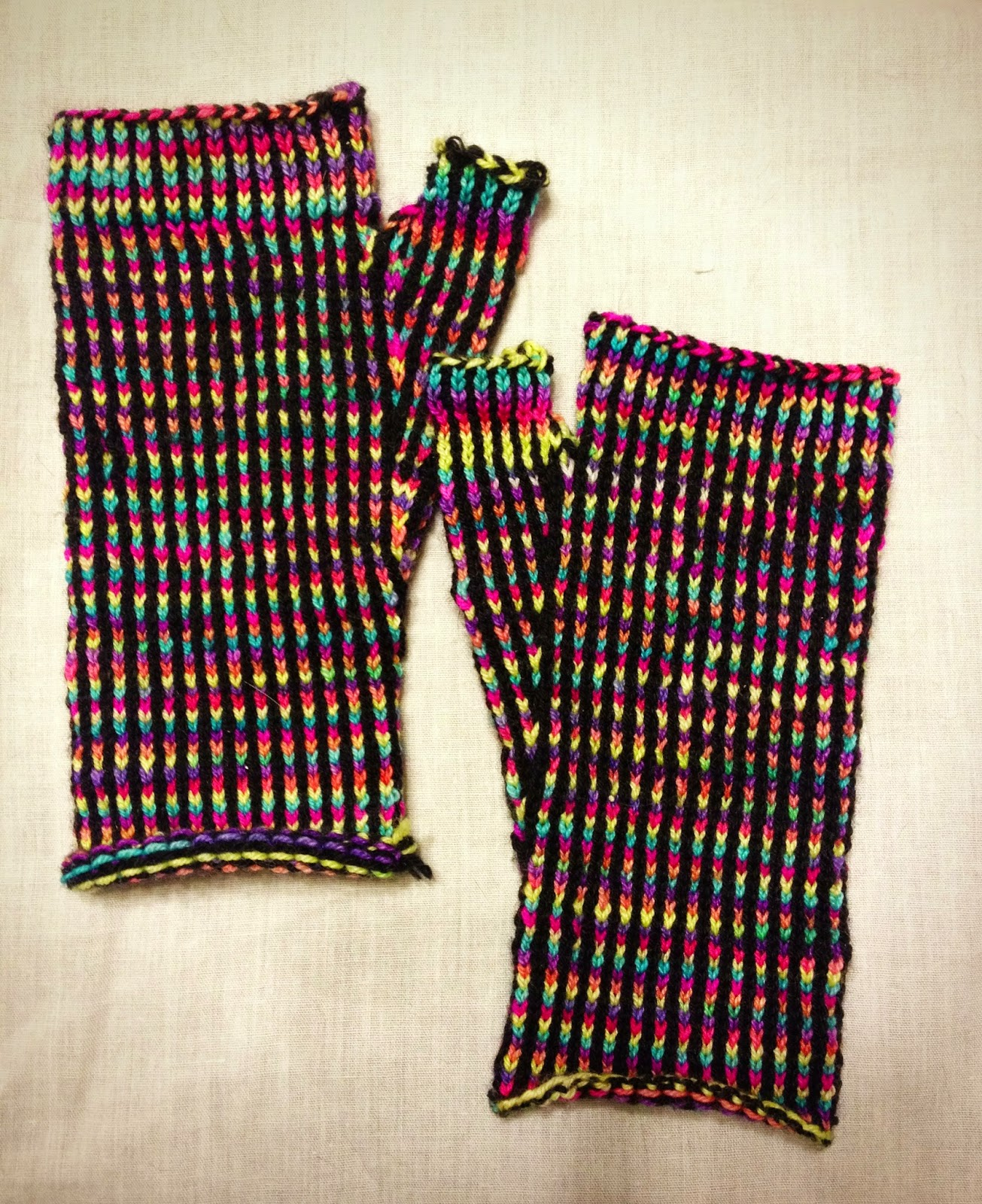 Geek Grrl Crafts: Knitting FO: Stained Glass