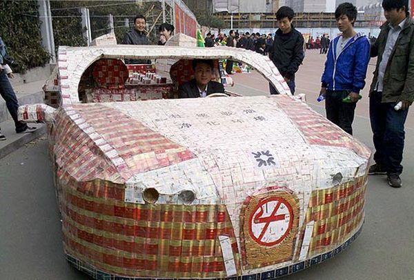 Unik, Mobil ini Dibuat dari Bungkus Rokok Bekas!