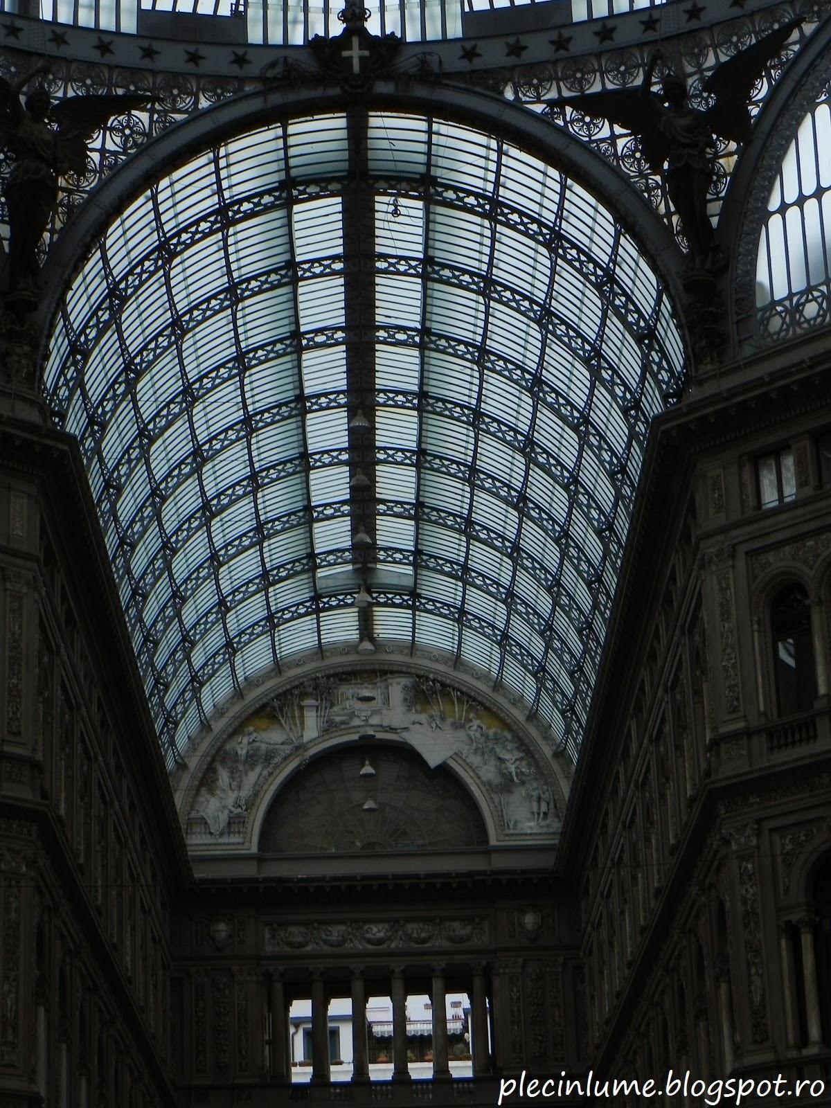 Tavanul galeriei Umberto