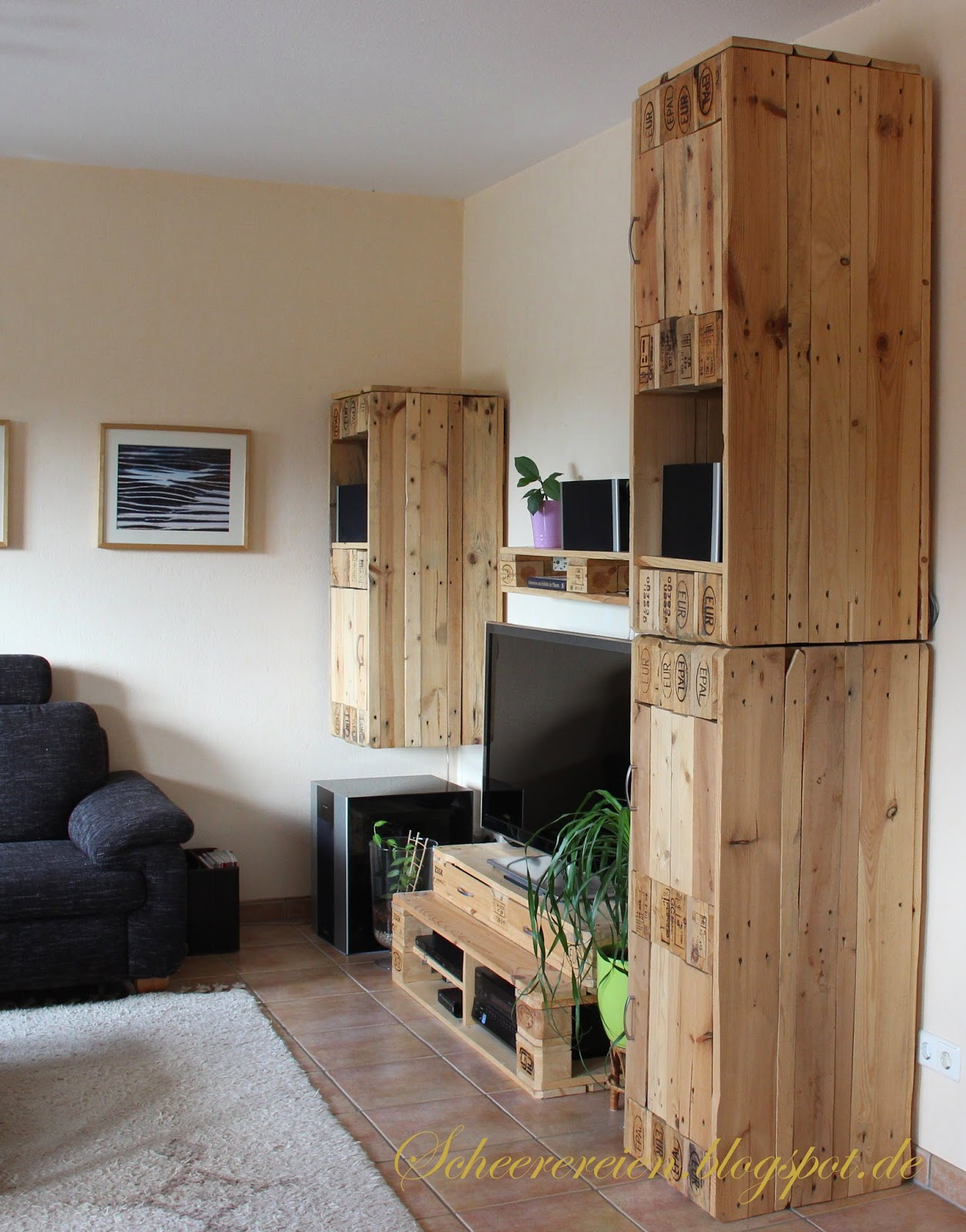 Scheerereien basteln n hen werkeln und mehr wohnwand - Wohnwand aus paletten ...
