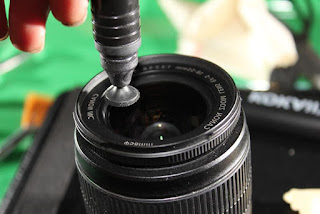 Lensa Pembersih Debu Kamera DSLR