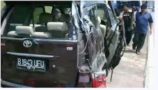 mobil saipul jamil kecelakaan