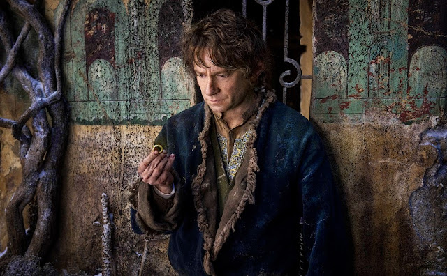 martin freeman bilbo baggins ring hobbit 3 battle of five armies movie still