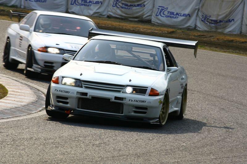 Nissan Skyline GT-R R32, najlepsze sportowe samochody, kultowe auta z duszą, Godzilla, RB26DETT, galeria, spojler, skrzydło