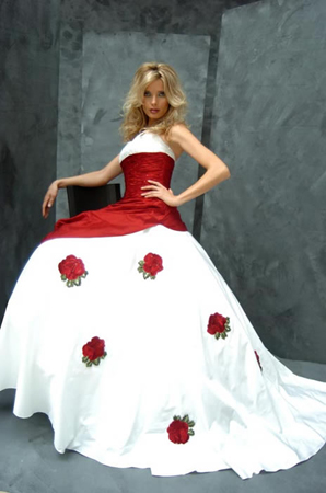 White Wedding Dress on Roses Which Decorate The White Wedding Dress Symbolizes Virginity For