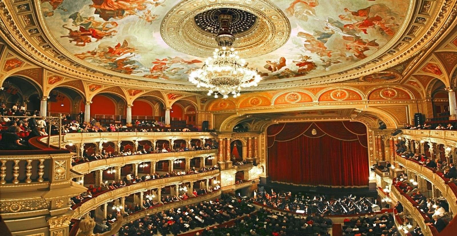 traducción difusión de la óperas