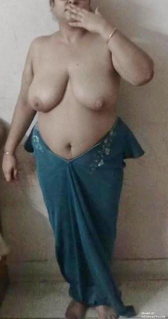 big and hot sexy naked aunty breasts show