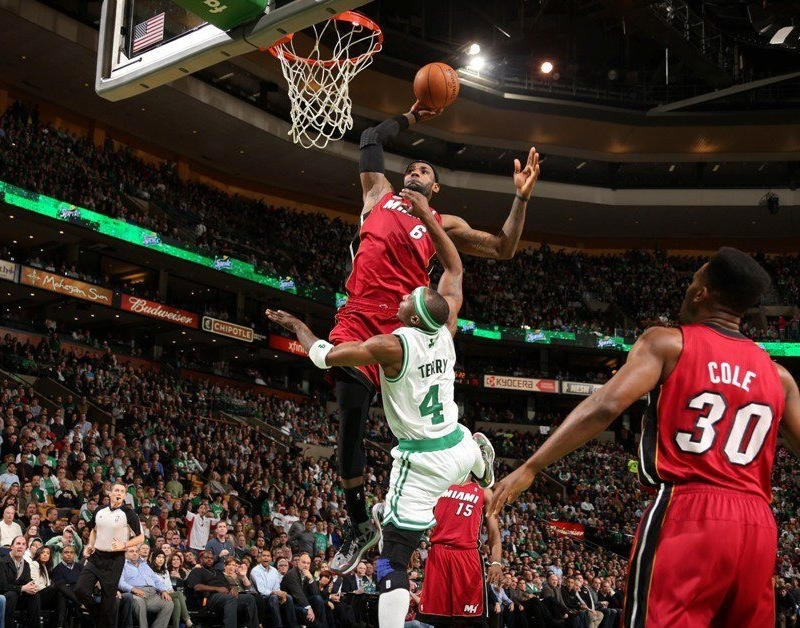 LeBron slam on Jason Terry