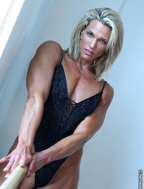 Web cam body building nude foto 12