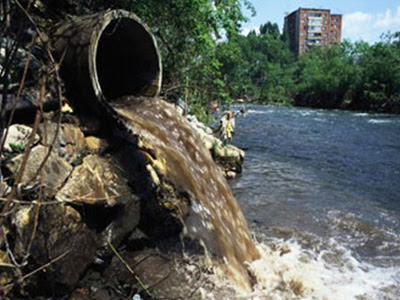 desague agua sucia contaminada
