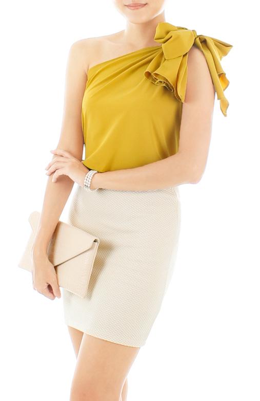 Elegance Bow One-shouldered Blouse