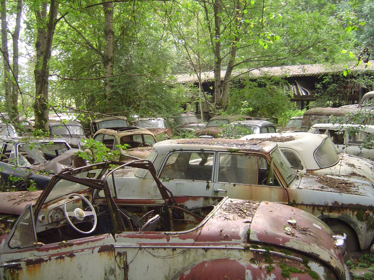 H I A T Hey I Abandoned That Old Abandoned Cars In