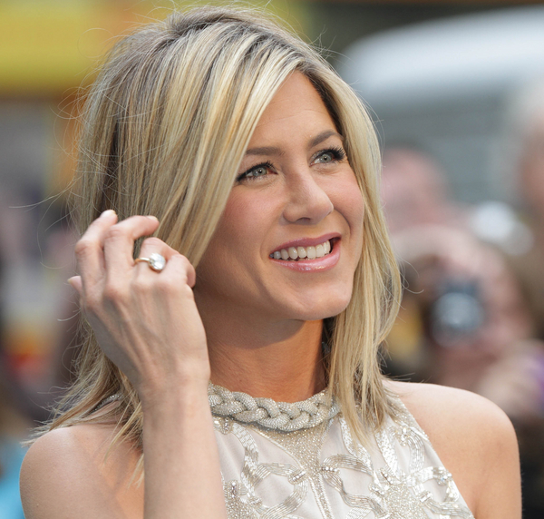 Jennifer Aniston Biography, Filmography and Facts. Full ...