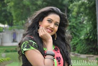 smiling barsha