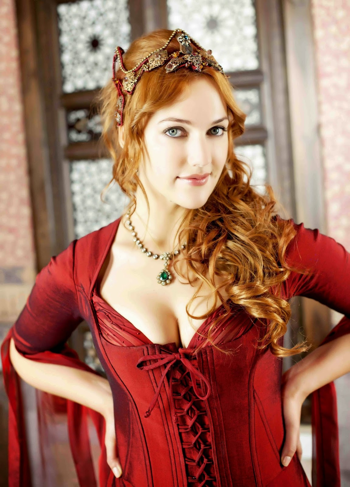 Meryem Uzerli sebagai Hurrem Sultan