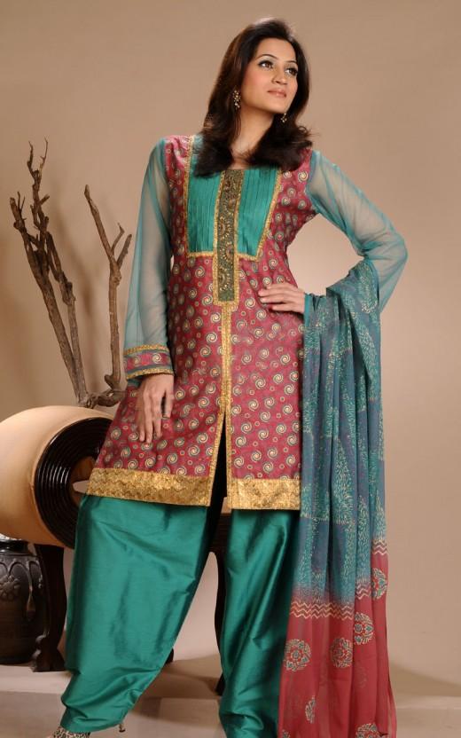 Trendy salwar kameez collection latest salwar kameez designs 2012 for How to design salwar kameez at home