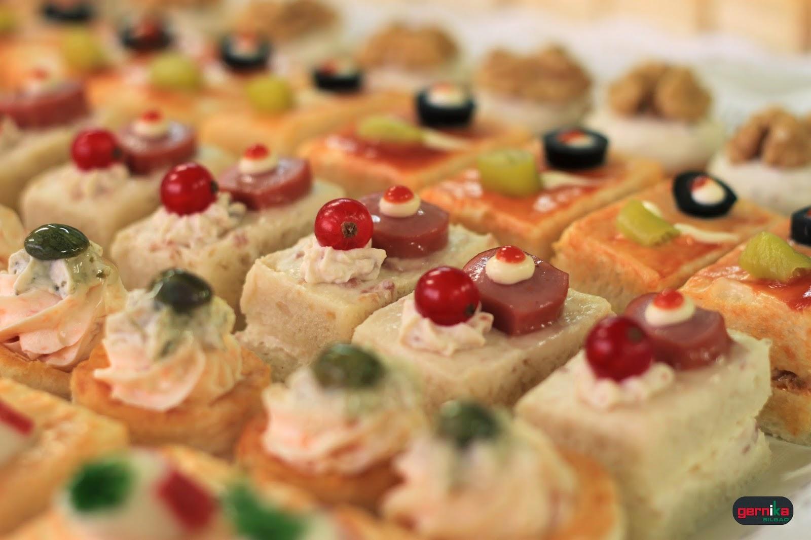 Pasteleria gernika hoy estamos salados for Que es un canape