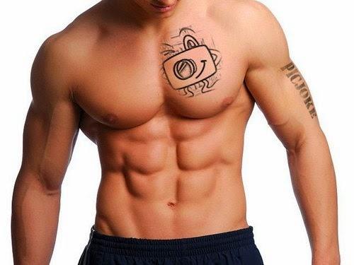 Montagem de fotos com tatuagem