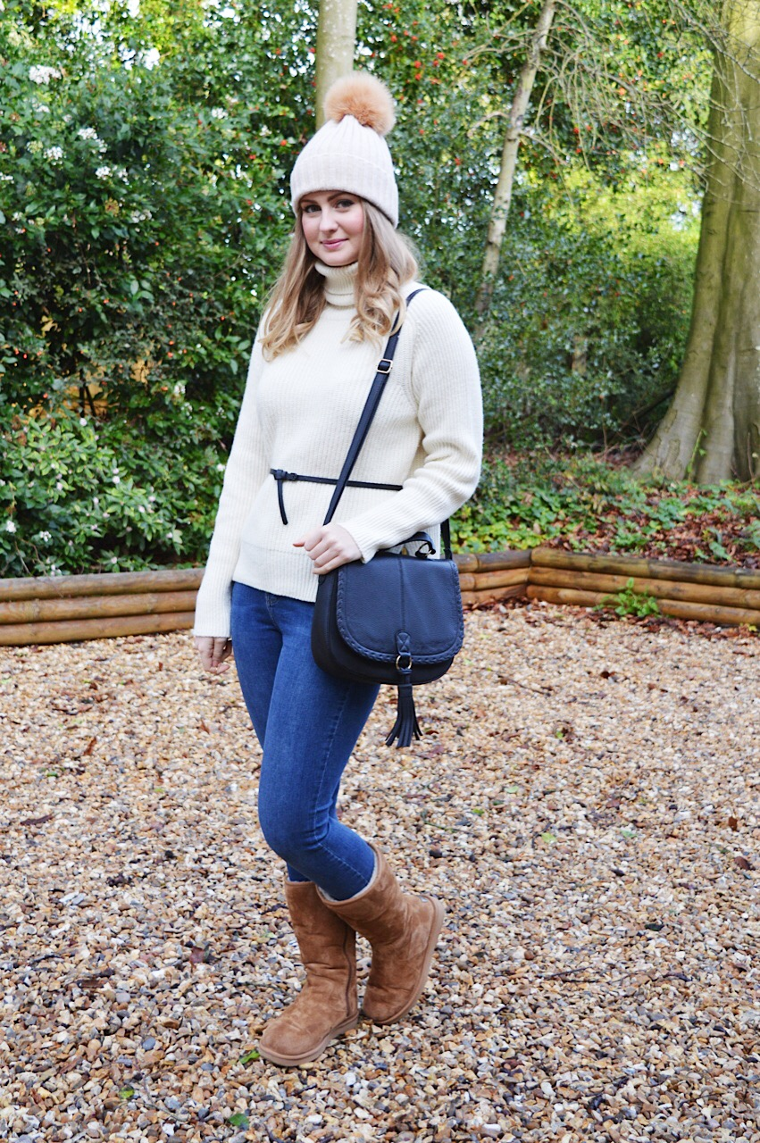 How to style Uggs for Winter, fashion bloggers, FashionFake blog