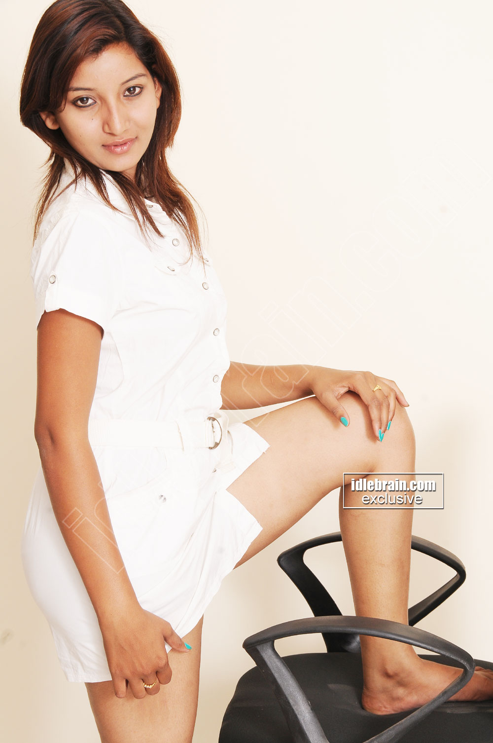 bollywood hot actress without clothes: Actress Vinny Latest Hot Photos
