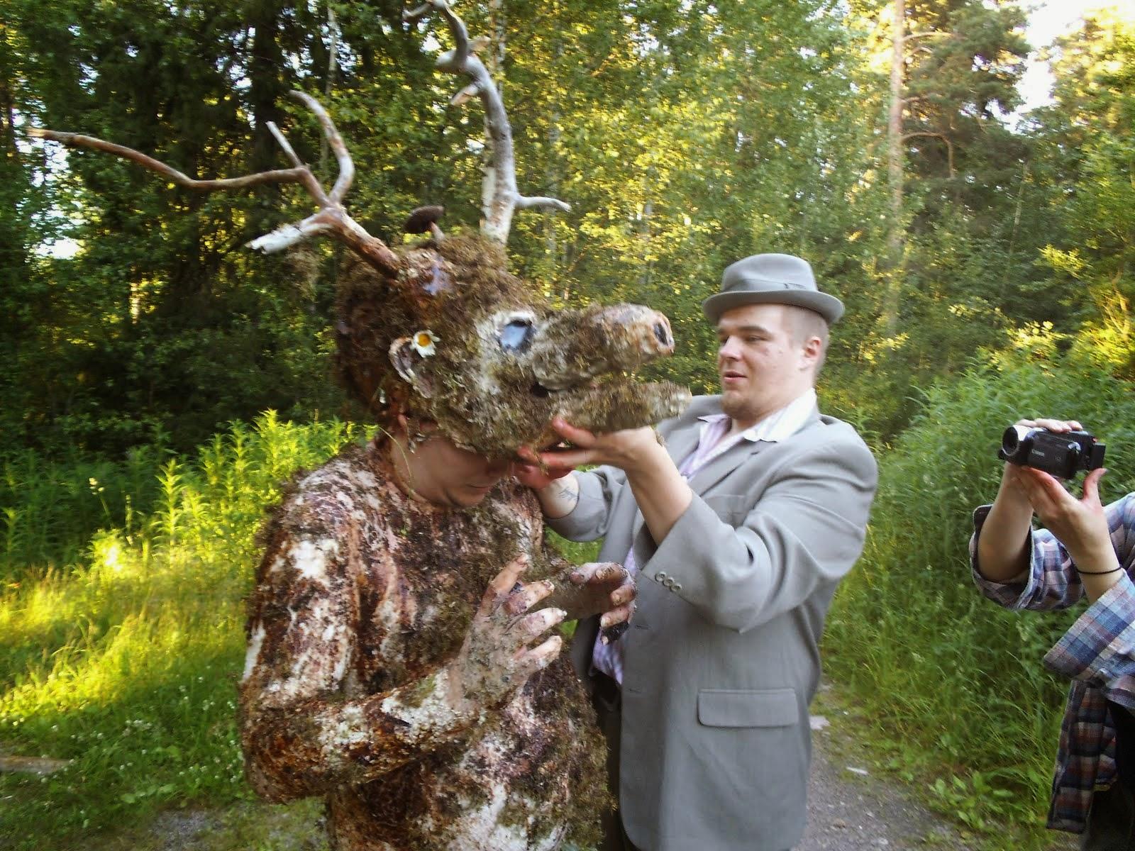 Ri'guh hiisi (Niko Koivistolainen) ja Ari Savonen, lyhytelokuvasta: Shamaanin kostava kirous.