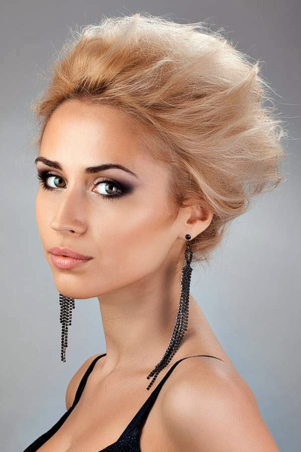 Hairstyles Sipul: Excellent Women Short Hair Round Face