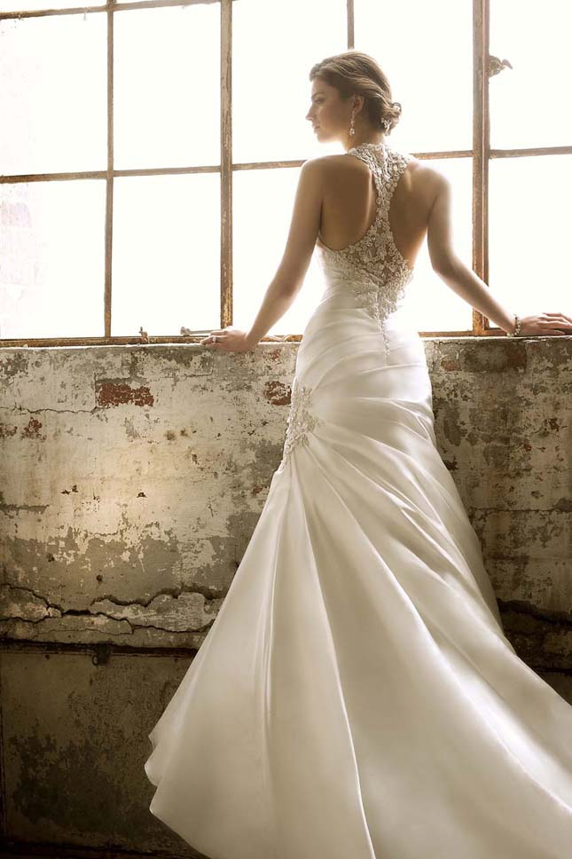 Essence of australia 2012 my dress of the week belle for Essence australia wedding dresses