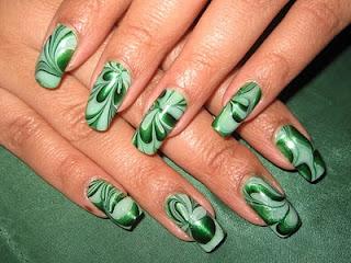 ukrasavanje noktiju - water marble nokti 001