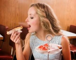 Godaan Makan yang Paling Sering Gagalkan Diet