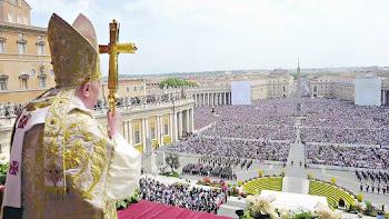 al menos 150 mil reunidos al pie del balcón de San Pedro escucharon a Benedicto XVI
