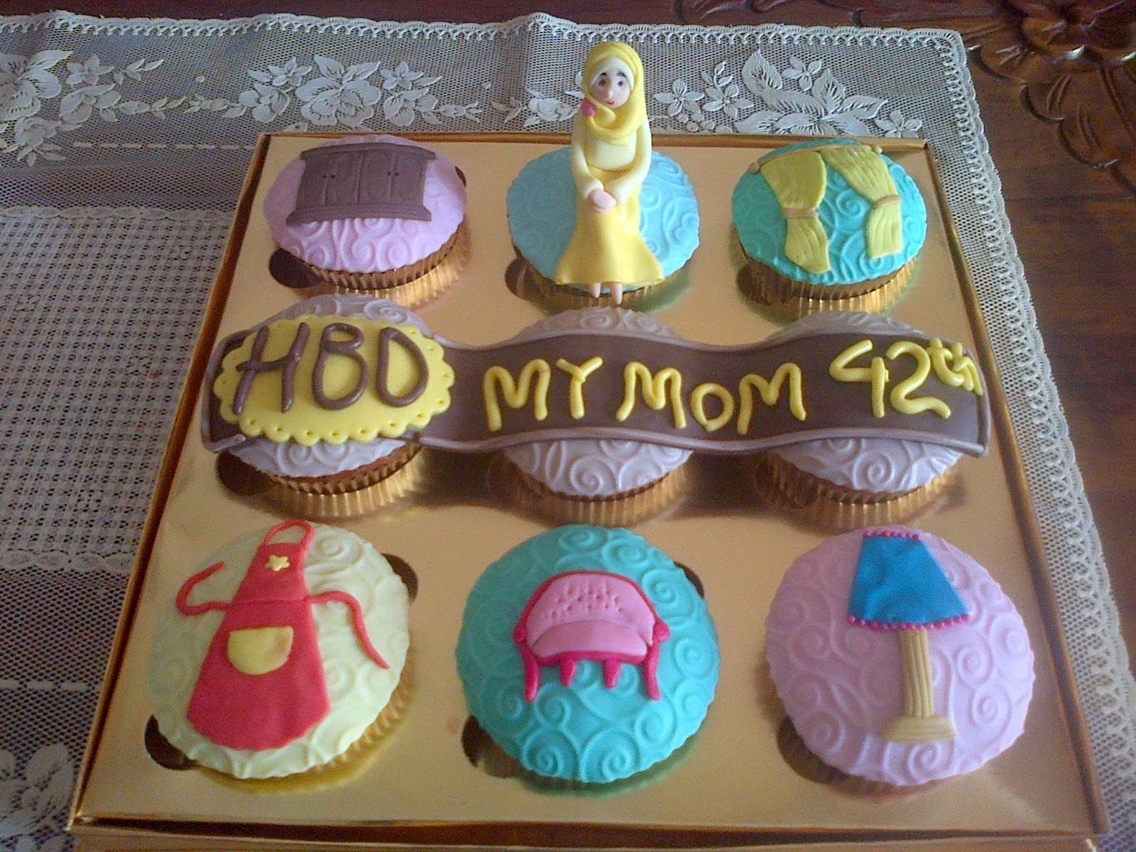 Yumyum Cup Cake Cupcake Design For Mom S Birthday
