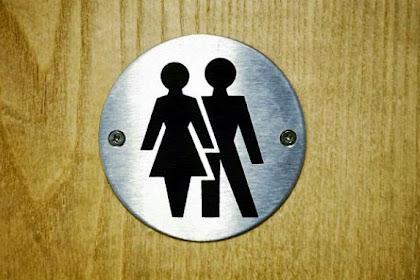 Benci Semasa Hidup, Pria Ini Tebar Abu Istri di Toilet Umum