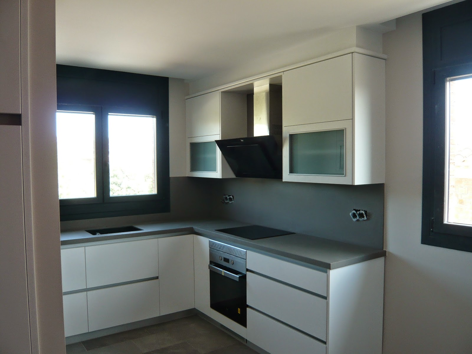 Reuscuina muebles de cocina formica blanca sin tiradores - Tiradores para muebles de cocina ...