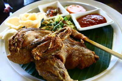 Bebek Joni Balinese deep fried duck at Ubud