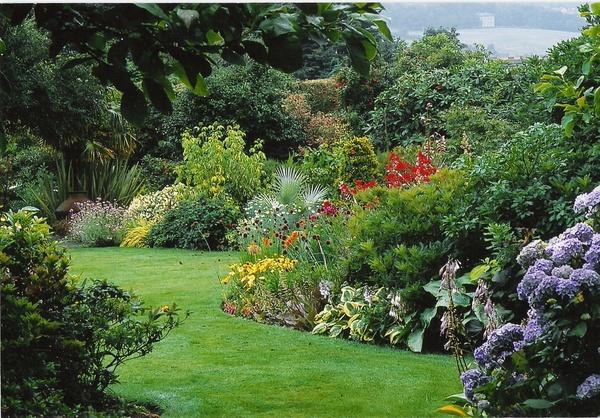 Florawereld com tuinen kijken border lijn for Mooie tuinen kijken