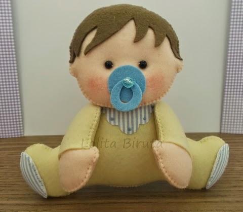 Bebê menino em feltro