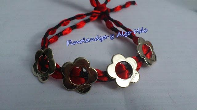 MIS MANUALIDADES: FIMO, FLORES CREMALLERAS, PULSERAS CHAPAS... - Página 4 Pulsera+flores,+rojo+y+negro