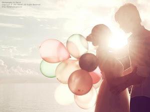 Siempre en el amor hay un poco de locura pero en la locura hay un poco de razón.